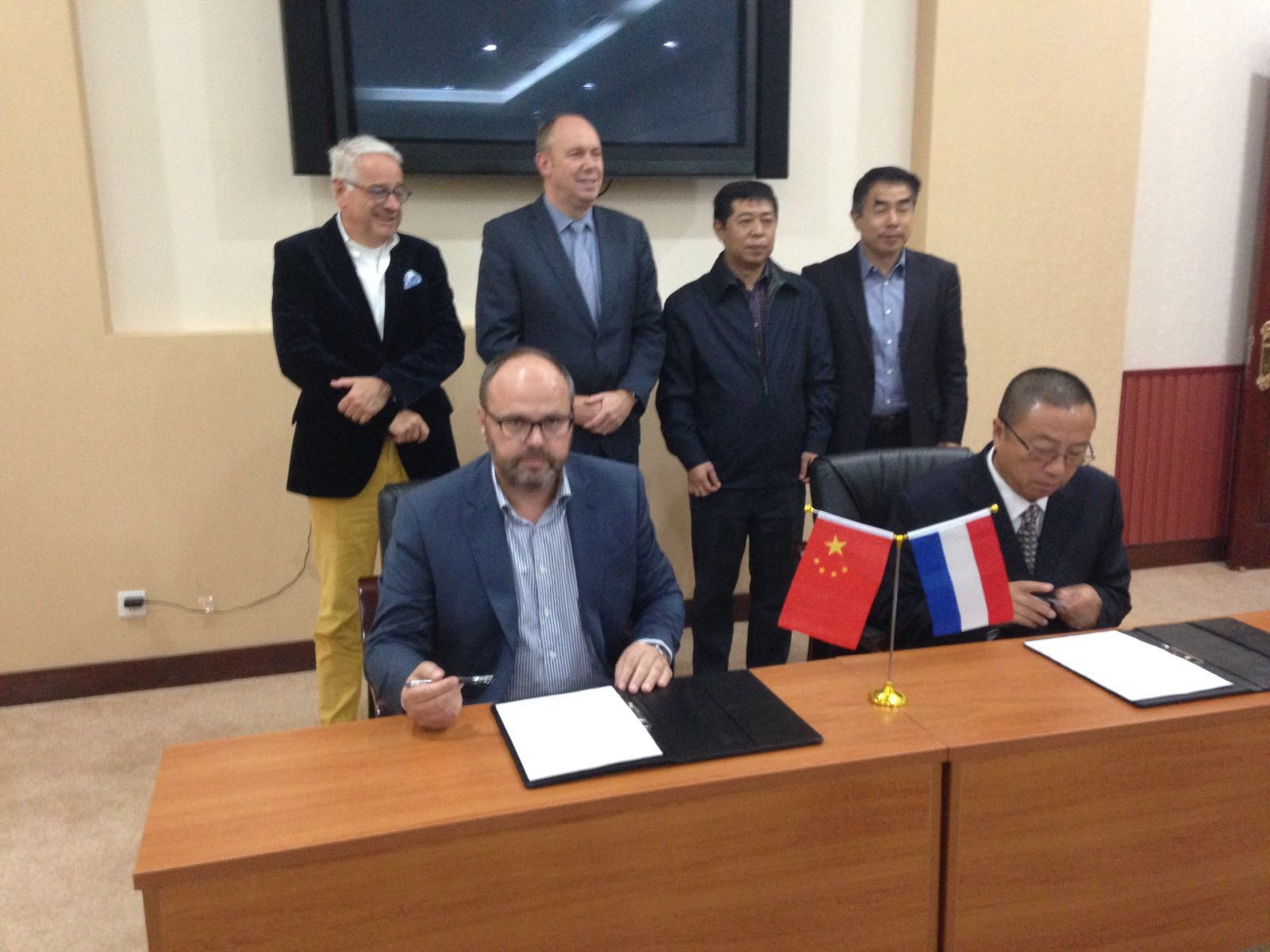 Ondertekening-MOU-met-Chinese-Dalian-Environmental-Association-DEA